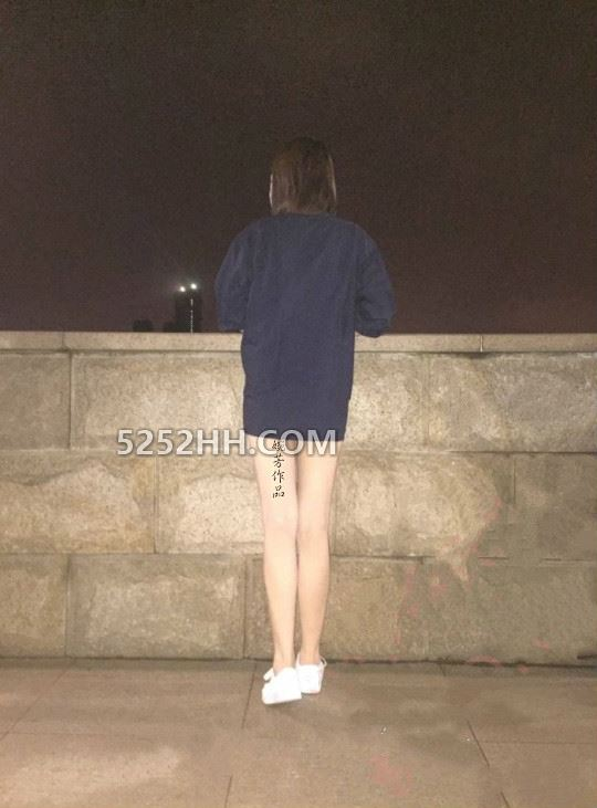 深夜江边露出放尿交配[14P]