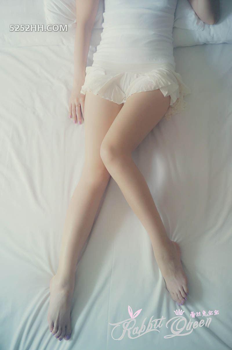 白嫩蕾丝兔宝宝透明内裤骚穴若隐若现[12P]